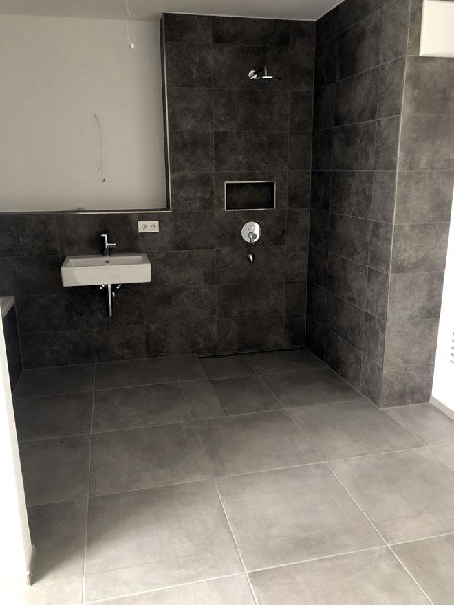 Badezimmer007 - BB Fliesen und Raumdesign